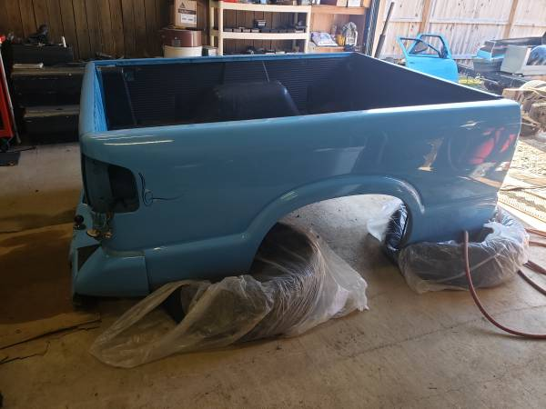 Photo reduced 94 chevy s10 fleetside bed with tailgate ect - $300 (Bristol tn)