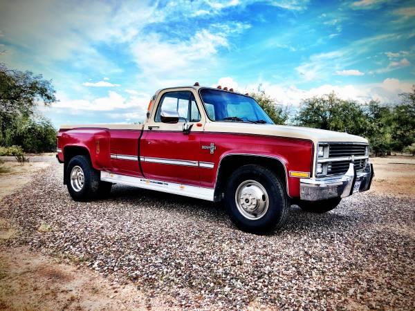 Photo 1984 Chevy Dually C30 squarebody - $13900 (Tucson)