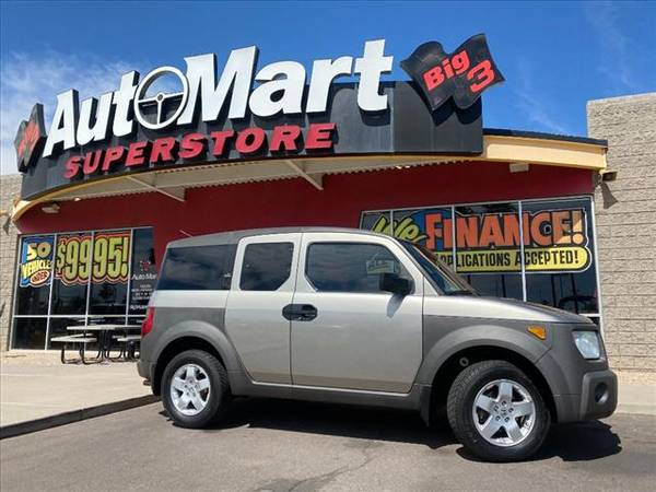 Photo 2004 Honda Element EX - Easy Financing Available - $9,983 (Interest Rates Starting at 2.24)