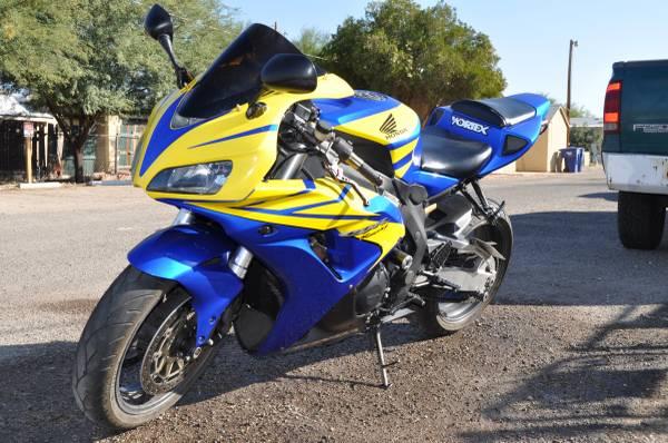 Photo 2006 Honda CBR 1000 RR - $5,900 (Tucson)