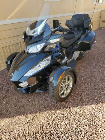 Photo 2011 CAN AM SPYDER RT LIMITED - $9,800 (Green Valley AZ)
