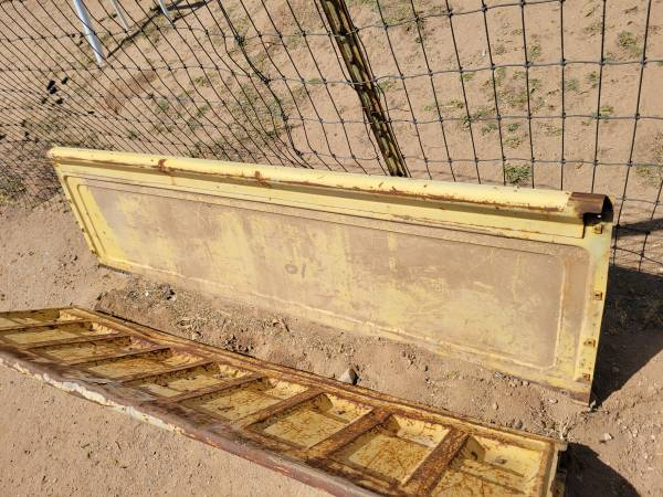 Photo 73-80 C10 Chevy bed parts - $170 (Avarvalley)