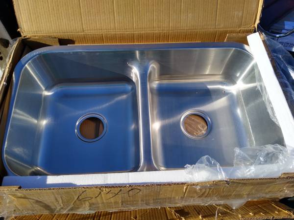 Photo Brand new MR direct 512 Half Divide Stainless Steel Kitchen Sink. - $100 (Grant  l-10)
