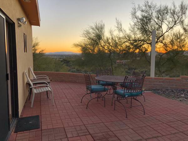 Photo Catalina Foothills Guest House with City  Mtn. Views (Opens 92 Lux Living Gst House)