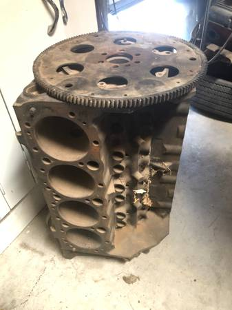 Photo Chevy 350 cu in 4 bolt main block and heads - $150 (Tucson)