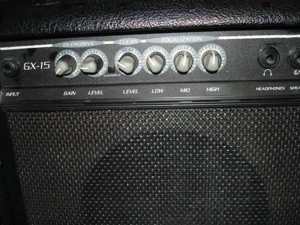 Photo Crate GX-15 Amp MINT w clean  distorted channels - $35 (Tucson)