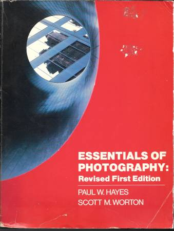 Photo ESSENTIALS OF PHOTOGRAPHY, FIRST EDITION - $6 (Tucson)