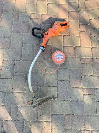Photo Electric weed eater  weed wacker - $20 (Oro Valley)