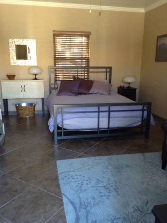 Photo Guest House for Rent (1836 E. Linden Street)
