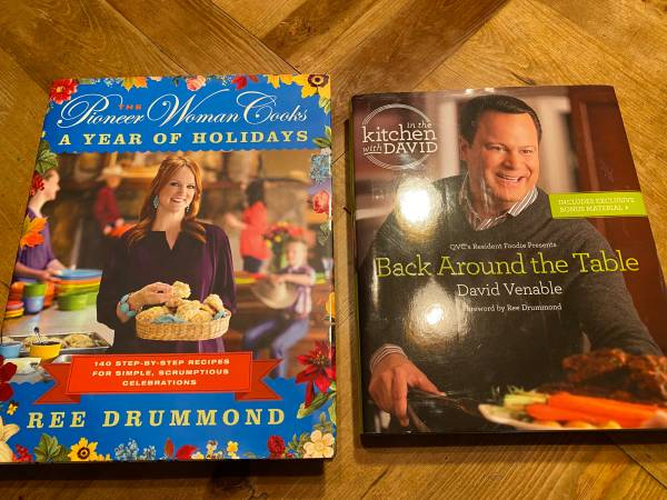 Photo In the Kitchen with David and Pioneer Woman Cookbooks - $10 (Tucson)
