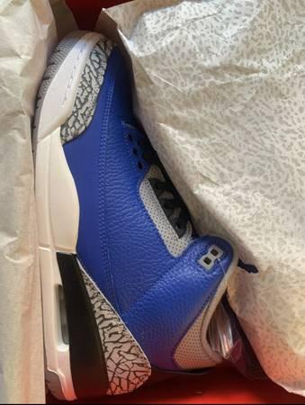 Photo Jordans 3 retro Cement Blue size 10 mens - $250 (Tucson Arizona)