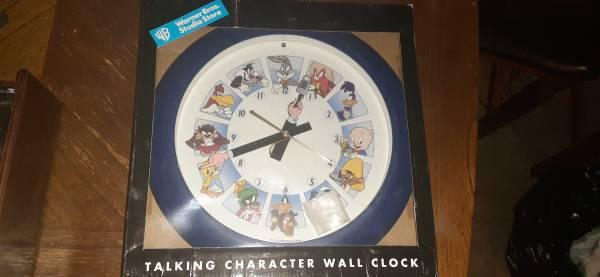 Photo LOONEY TUNES Toon clock - $40 (Tucson az)