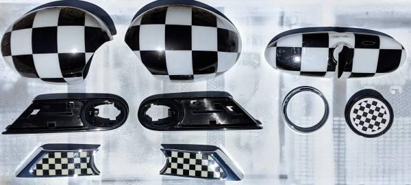 Photo MINI Cooper S Gen2 R56 Checker Accents Package - $160 (Corona de Tucson)