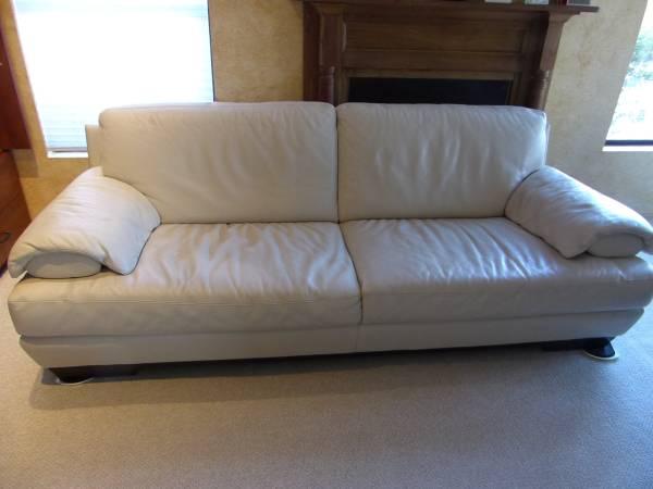 Photo Natuzzi Leather Couch - $500 (Sabino Canyon)