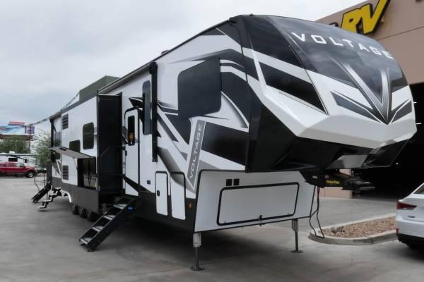 Photo New 2020 Dutchmen Voltage 4175 13 foot garage - $82,500 (Tucson)