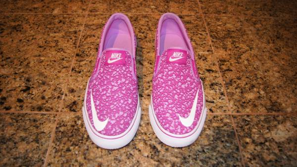 Photo Nike Toki Slip On - Purple  White - Sz 7 Youth 8.5 Womens - $20 (Northeast)