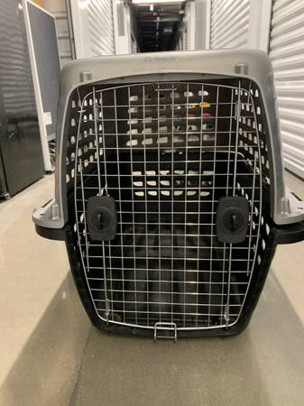 Photo Petmate dog crate (Ventana)
