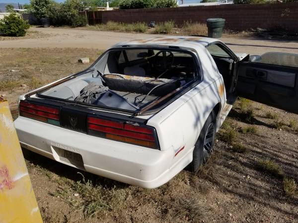 Photo Pontiac Firebird 1991 - $1500 (Tucson east)