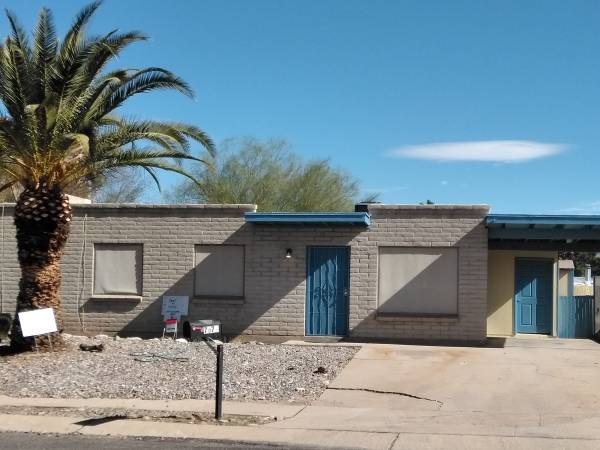 Photo Use your tax refund to Own Your Own Home Minor fixers Rent to Own. (East Tucson)