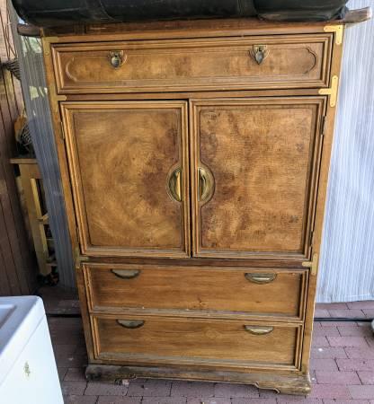 Photo Vintage Wooden Storage Cabinet Armoire Dresser - $100 (Tucson)