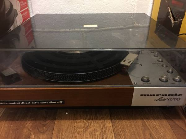 Photo Vintage marantz turntable 6300 - $800