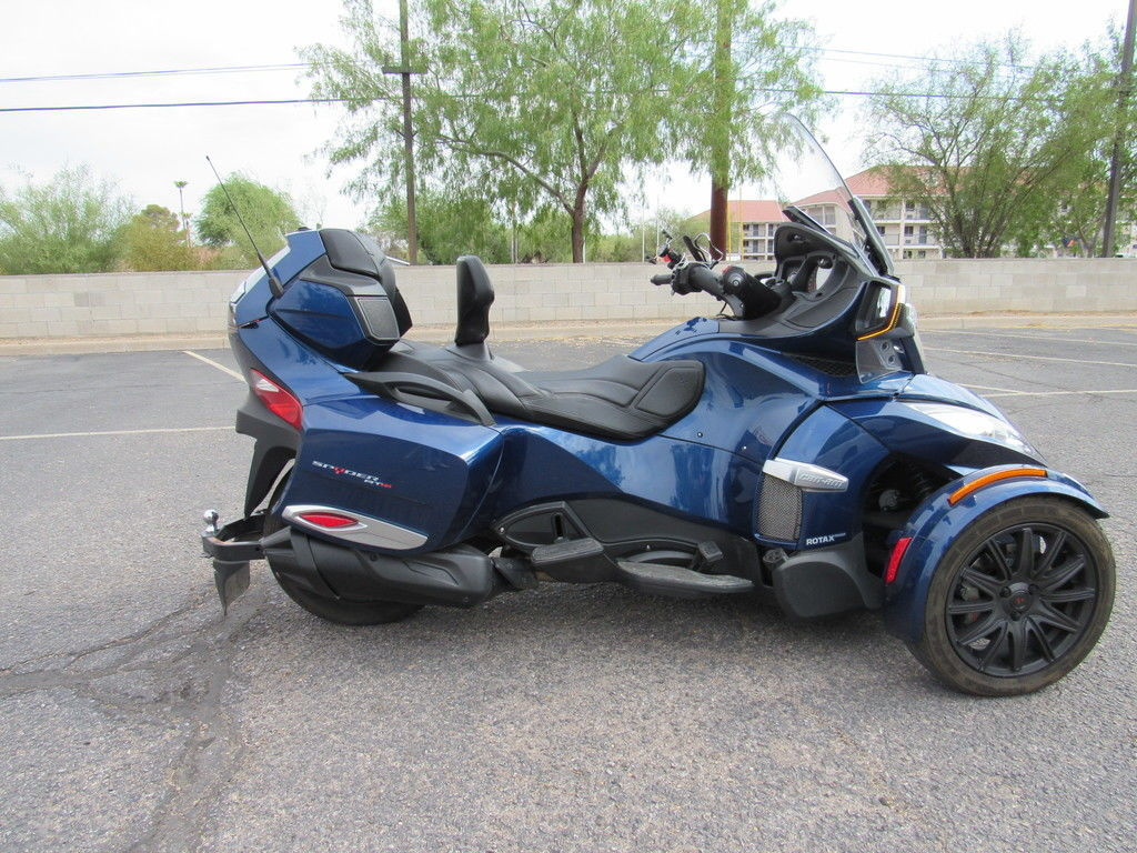 Photo Used 2017 Can-Am Trike Motorcycle  $23999