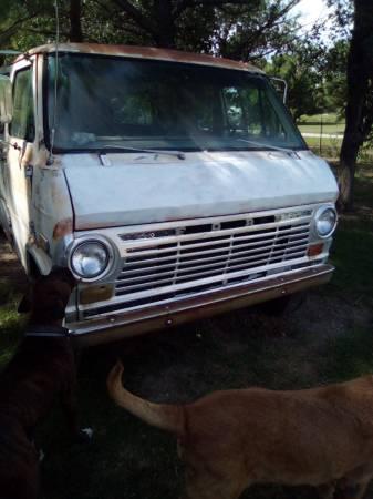 Photo 1969 Ford van 34 ton 302 engine - $1,200 (Inola)