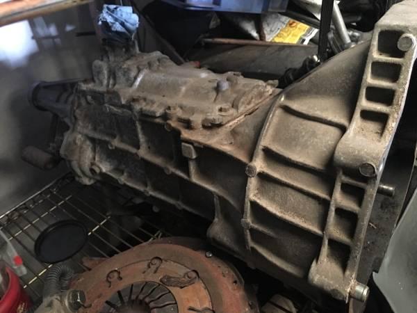 Photo 1988-97 Ford ExplorerRanger M5R1 manual transmission - $350 (Bixby)