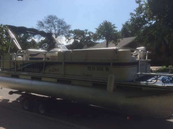 Photo 1999 Lowe Trinidad Suncruiser 2239 Pontoon - $10,000 (Lake Eufaula)