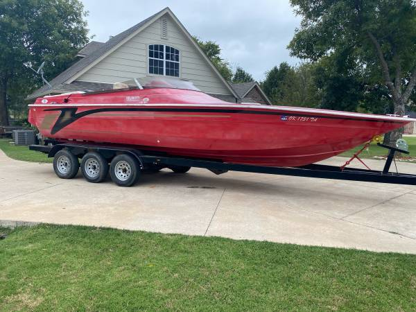 Photo 2000 28 foot Velocity Performance boat - $20,000 (Collinsville)