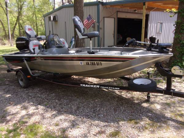 Photo 2006 Bass Tracker Pro Team 170 TX - $7750 (Bentonville)