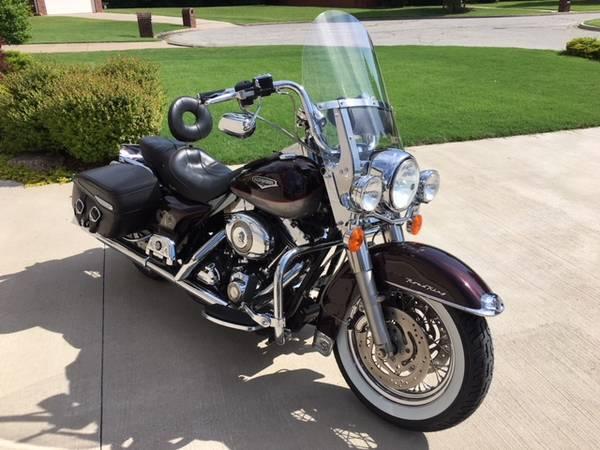Photo 2007 Harley Davidson Road King Classic - $7,900 (Broken Arrow)