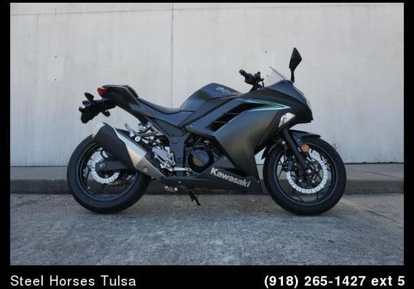 Photo 2016 Kawasaki Ninja 300 Sport - $4,295 (Tulsa, OK)