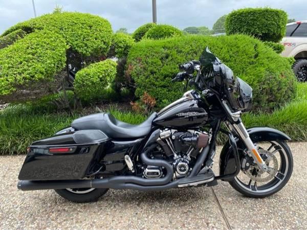 Photo 2017 Harley-Davidson Street Glide Special FLHXS - $22,982 (Harley-Davidson Street Glide Special)