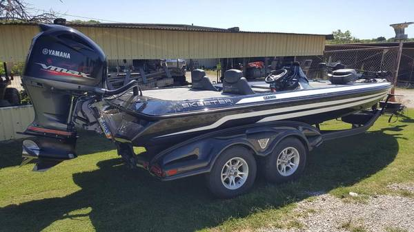 Photo 2017 Skeeter FX 20 - $45,000 (Scotland tx)