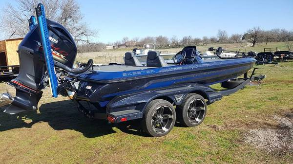 Photo 2018 Skeeter FX 20 LE - $55,000 (Scotland tx)