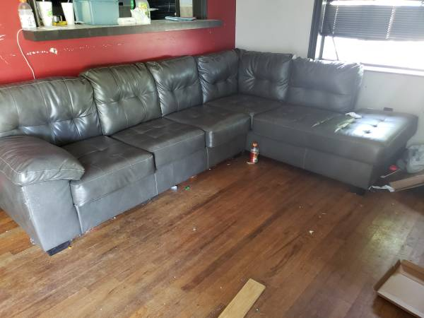 Photo Ashley Leather Sectional Couch $400 or O.B.O. - $400 (Tulsa)