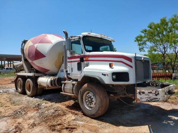 Photo Concrete Mixer Truck - $18,997 (Abilene)