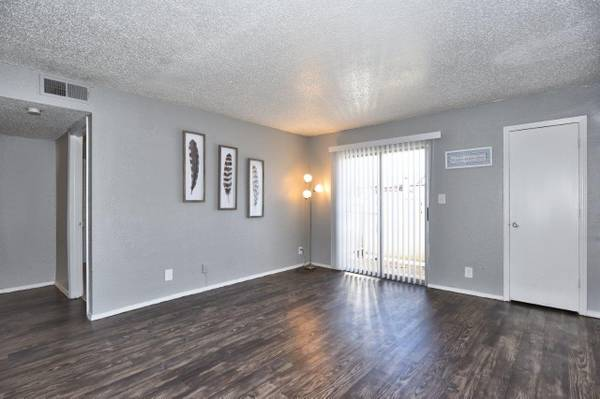 Photo DOWNSTAIRS 2 FULL Baths Private Patio 2BR Union Schools CALL NOW (4404 S 109th E Ave)