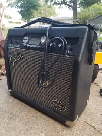 Photo Fender G-DEC guitar lifier - $120 (Broken Arrow)
