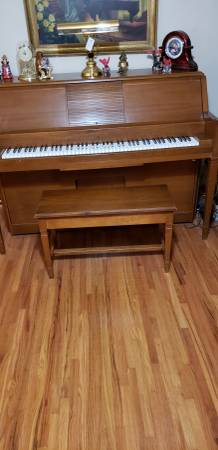 Photo Lowrey Player Piano and 80 piano rolls - $800 (Tulsa)