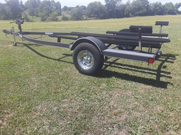Photo New 2018 Tracker Trailstar Boat Trailer - $1250 (Nevada MO)