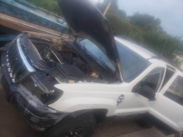 Photo Parting out 2000 Jeep Grand cherokee Laredo - $350 (Tulsa)