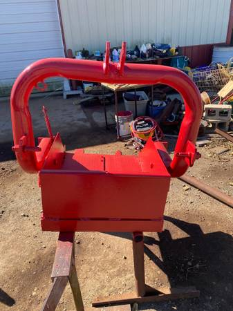 Photo RED 3 POINT DIRT SCOOP - $100 (COLLINSVILLE OK)