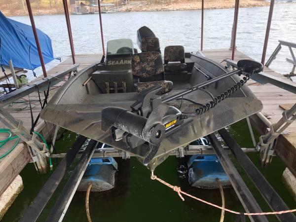 Photo Sea Ark Camo BassDuck Boat - $20,000 (Langley, OK)