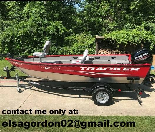 Photo Super nice 2013 bass tracker boat - $2,200