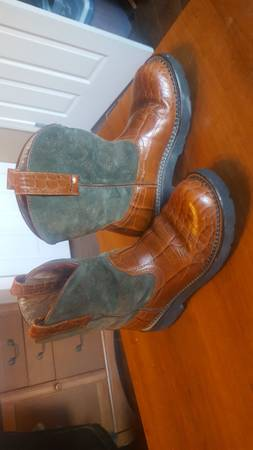 Photo Women39s ARIAT Boots - $30