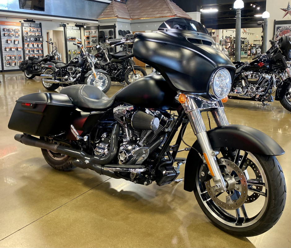 Photo Used 2014 Harley-Davidson Touring Motorcycle  $20999