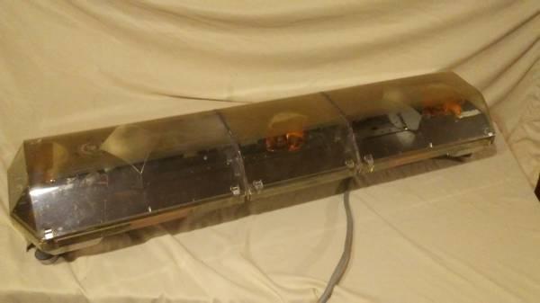 Photo code 3 mx7000 amber warning lightbar light bar pilot escort security - $225 (nowata)