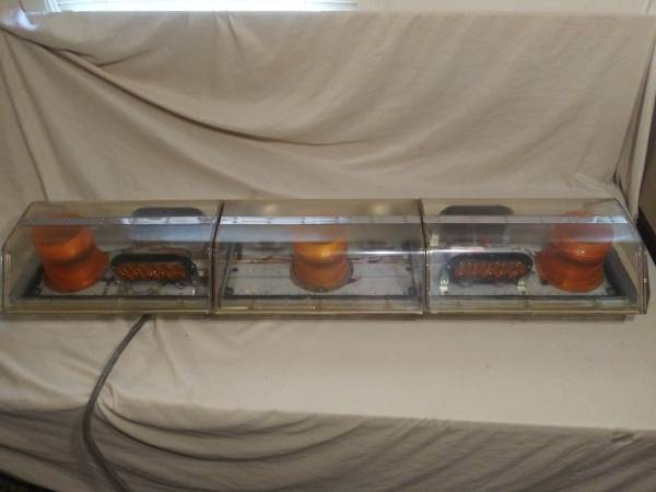Photo code 3 xl5000 amber strobe  led wrecker warning lightbar light bar - $340 (nowata)